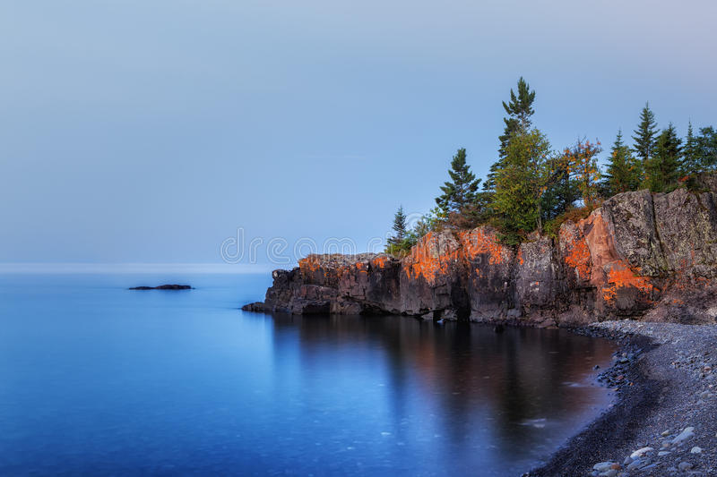 Lake Superior Outcropping arkivfoto