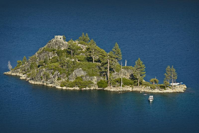 Lake Tahoe ö arkivbild