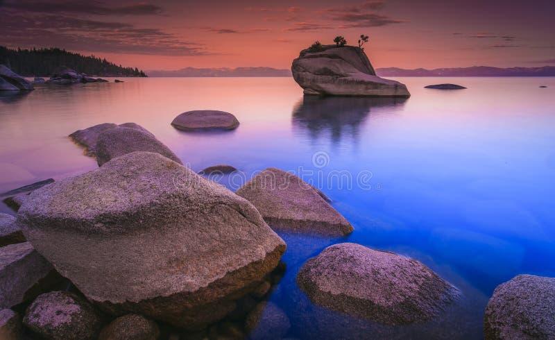 Lake Tahoe efter solnedgång arkivbild