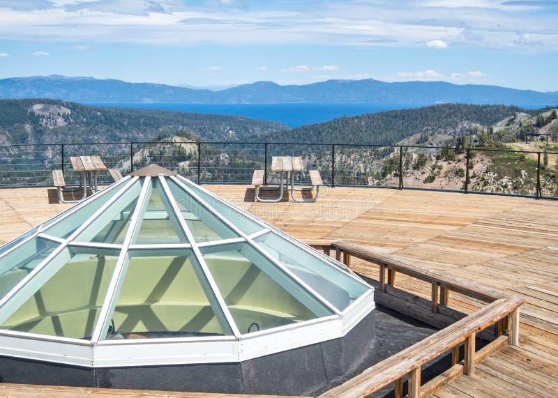 Lake Tahoe från högt läger royaltyfri foto
