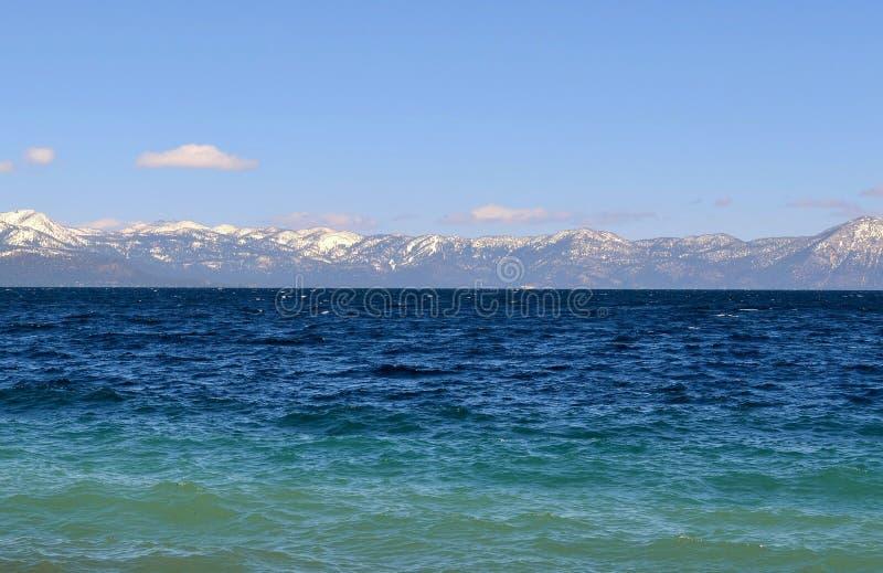 Lake Tahoe Kalifornien härlig sjösikt fotografering för bildbyråer