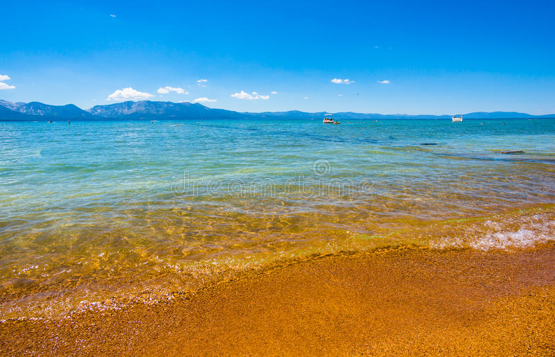 Lake Tahoe kust royaltyfria foton