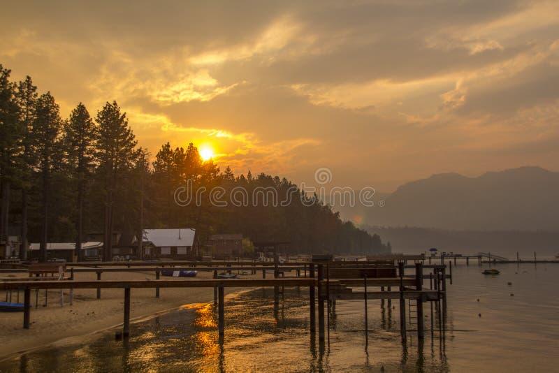 Lake Tahoe solnedgång royaltyfria bilder
