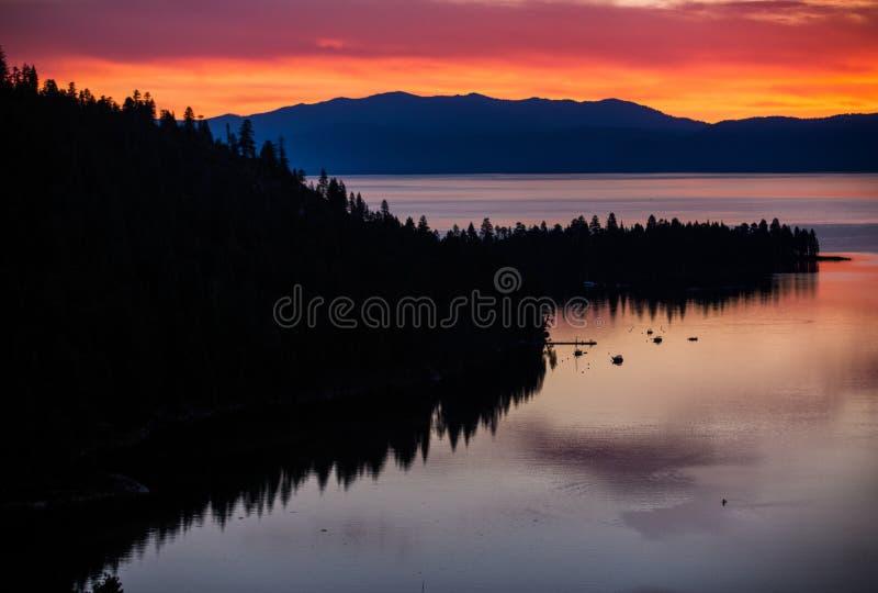Lake Tahoe soluppgång arkivbilder