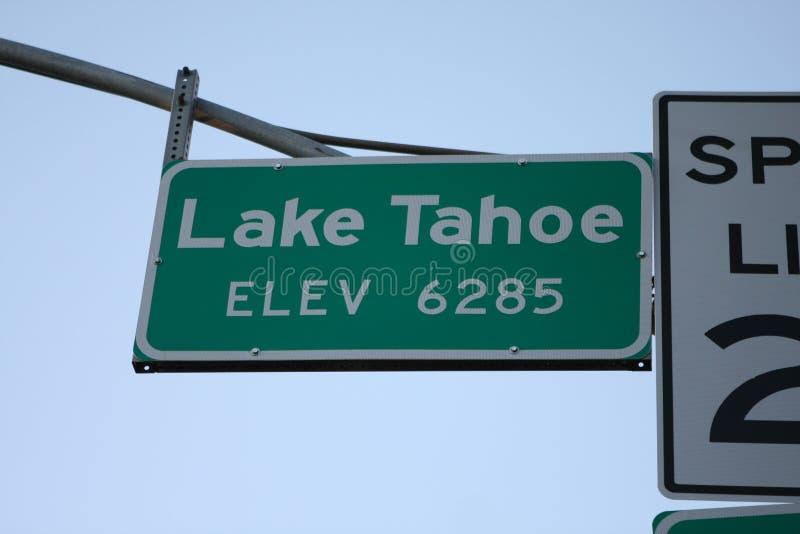Lake- Tahoeaufzugzeichen Kalifornien lizenzfreie stockfotografie