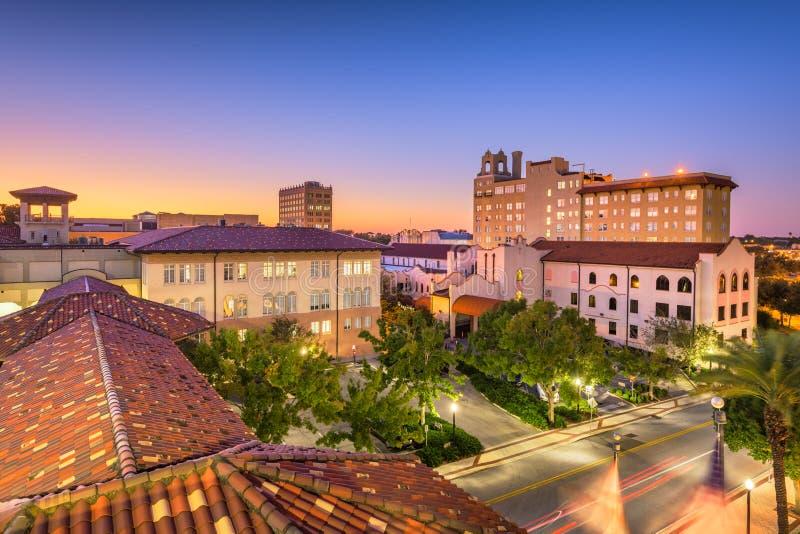 Lakeland, Florida, USA. Downown cityscape at city hall during dusk royalty free stock photos