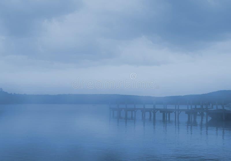 Download Lakemorgon arkivfoto. Bild av lake, ensamhet, relax, tystnad - 3549990