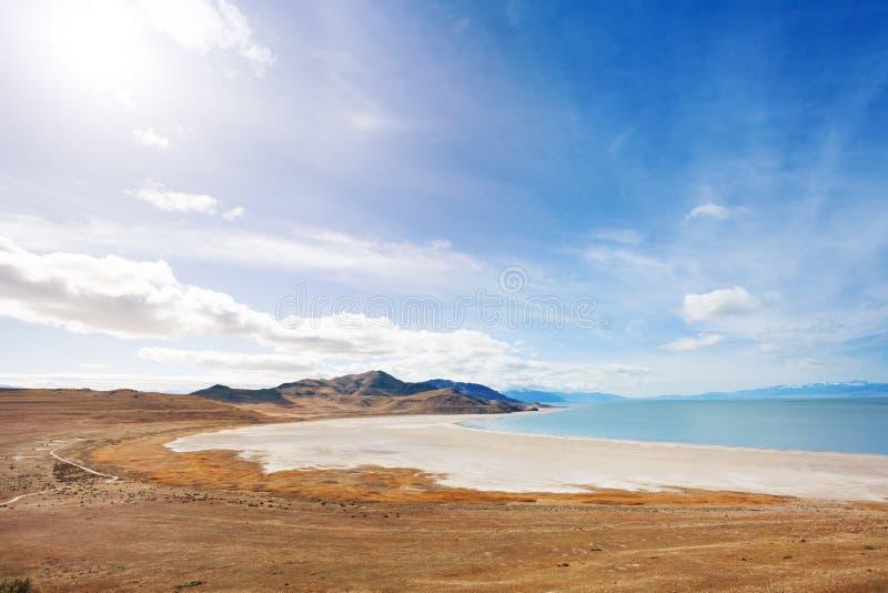 Lakeside di Gran Lago Salato sull'isola dell'antilope fotografia stock