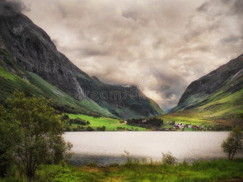 Lakeview на юге  Норвегии стоковая фотография