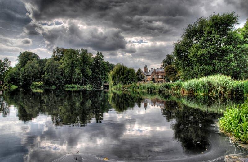 Lakeview del castillo imagenes de archivo