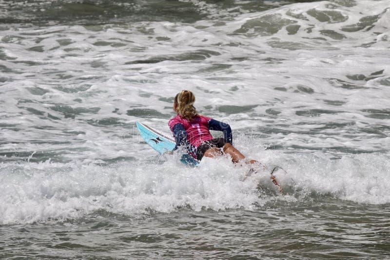 Lakey Peterson concurrence dans l'US Open de surfer 2018 photographie stock