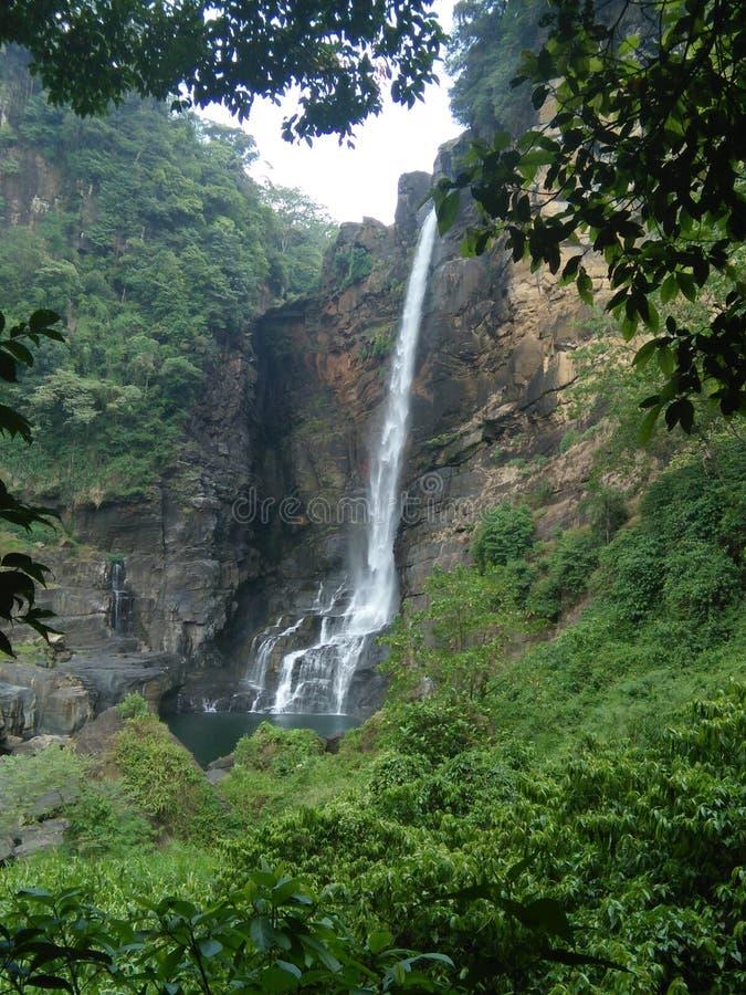 Lakshapana-Wasserfall lizenzfreies stockbild