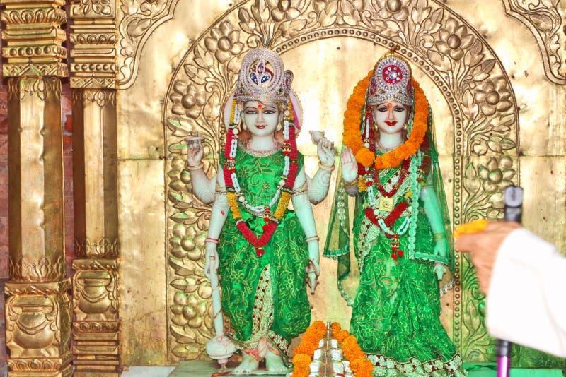 Lakshmi的神象和纳拉扬 图库摄影