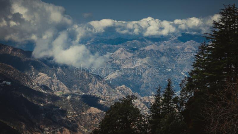 Lal Tibba, o pico o mais alto de Mussoorie, Índia foto de stock