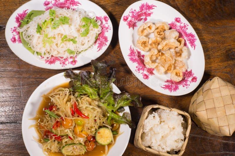 Lalad thaïlandais du nord-est populaire de papaye de nourriture photos stock