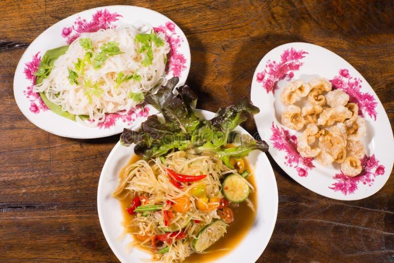 Lalad thaïlandais du nord-est populaire de papaye de nourriture image stock