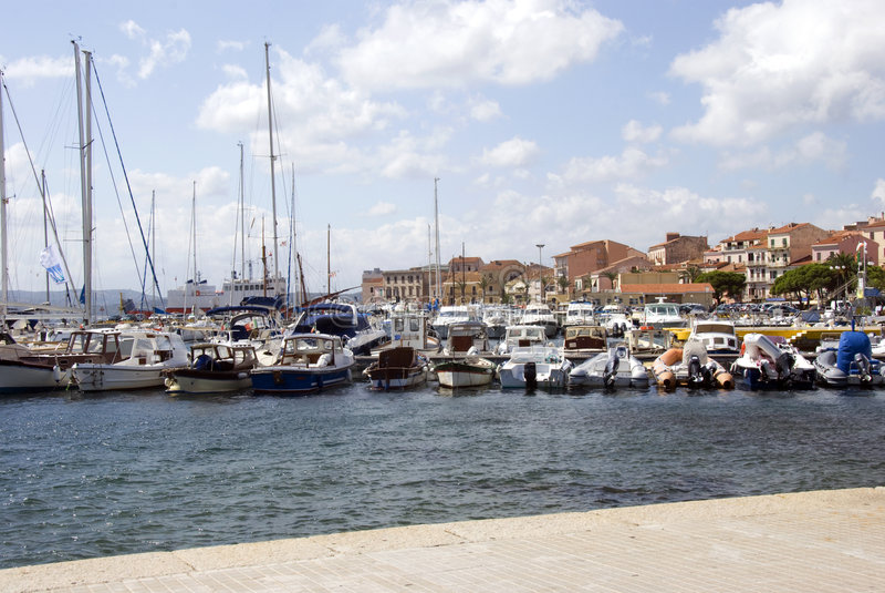 LaMaddalena hamn - Sardinia arkivbild