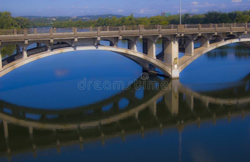 Lamar Blue Reflections av en minnesvärd morgon Austin Texas arkivbild