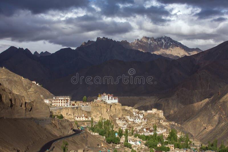 Lamayuru of Yuru Gompa zijn Tibetaans Boeddhistisch klooster in Ladakh stock foto's
