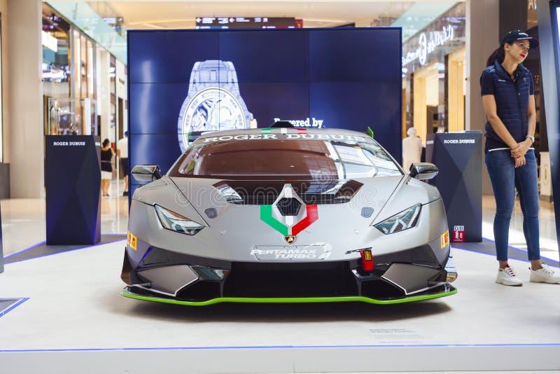 Lamborghini概念在迪拜购物中心暴露的展示汽车,阿联酋 库存图片