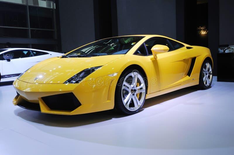 Lamborghini amarillo, cupé de Gallardo LP 550-2 fotos de archivo