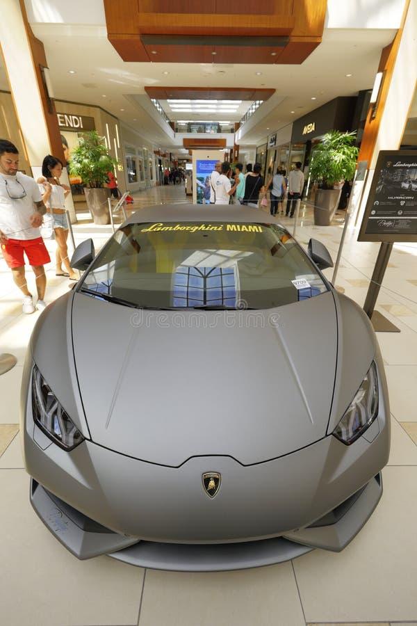 Lamborghini au mail d'Aventura photos libres de droits