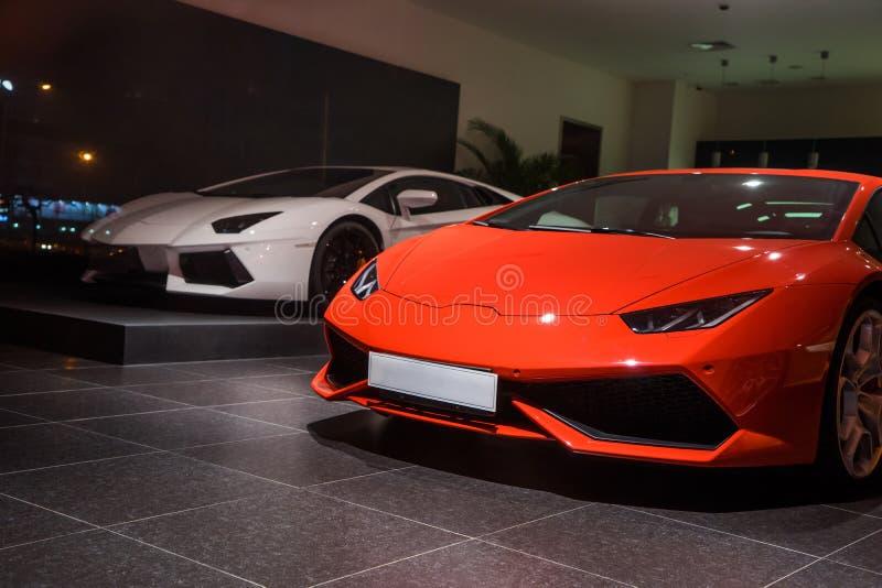 Lamborghini-auto's voor verkoop stock afbeelding