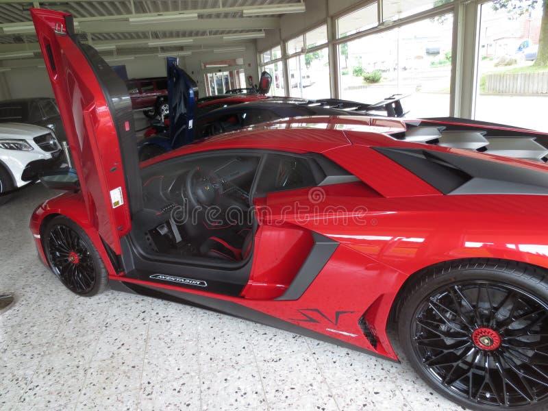 Lamborghini avendator 豪华车商 免版税库存照片