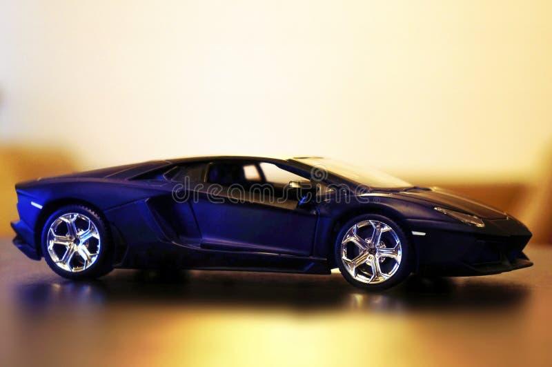 Lamborghini Aventador lp700-4 modelauto1:24 stock afbeelding