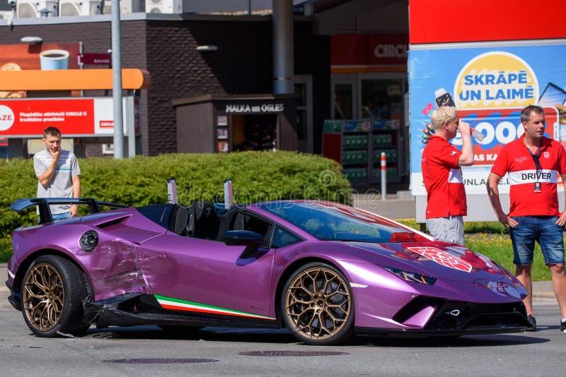 Lamborghini bilkrasch i Riga arkivfoton