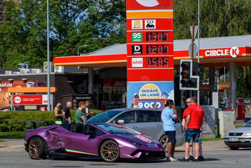 Lamborghini bilkrasch i Riga fotografering för bildbyråer