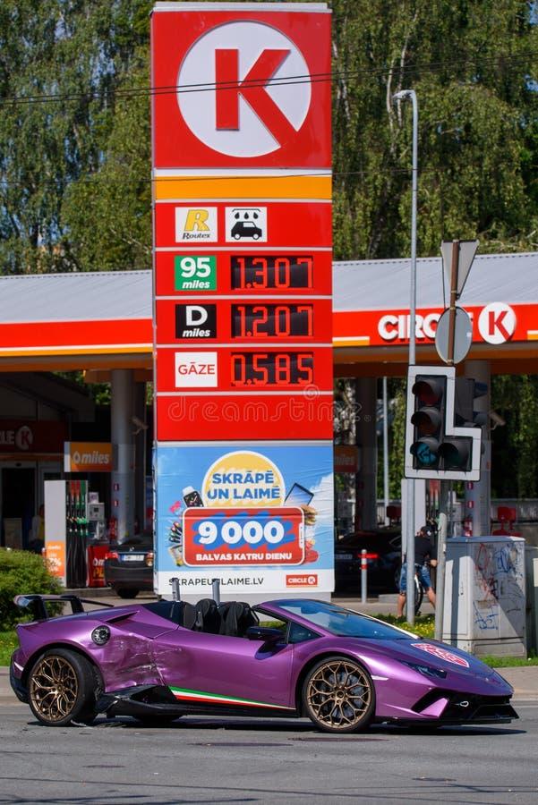 Lamborghini bilkrasch i Riga royaltyfria foton