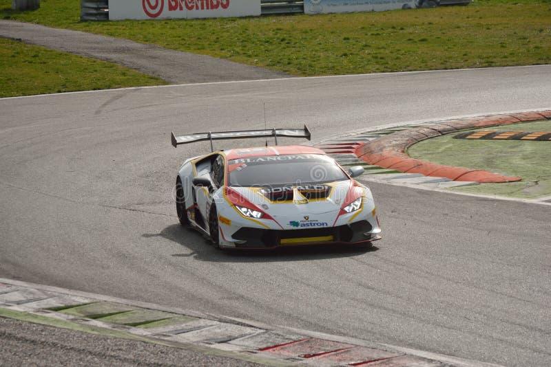 Lamborghini Huracà ¡ n超级Trofeo 2016测试在蒙扎 免版税库存图片