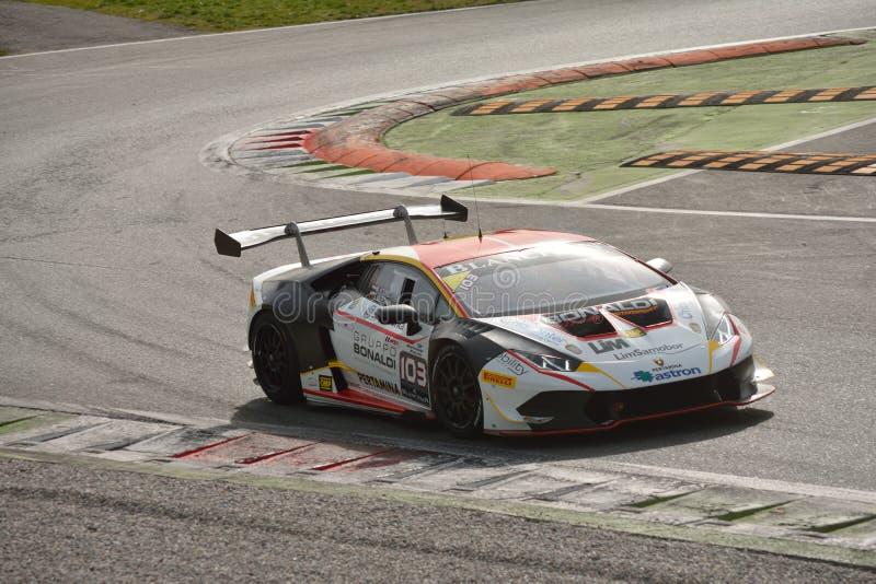 Lamborghini Huracà ¡ n超级Trofeo 2016测试在蒙扎 图库摄影