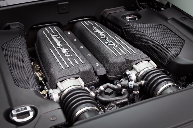 Lamborghini LP560-4 toppen bilmotor fotografering för bildbyråer