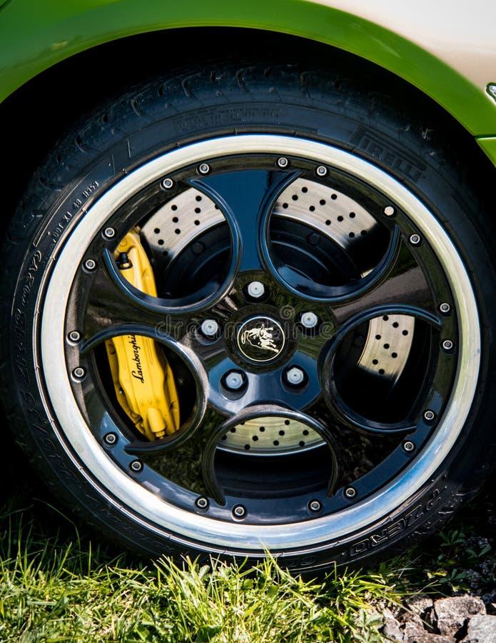 Lamborghini Murcielago的轮子 免版税库存图片