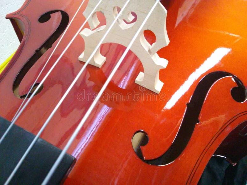Lamelliert 4/4 Cello der natürlichen Größe stockbild