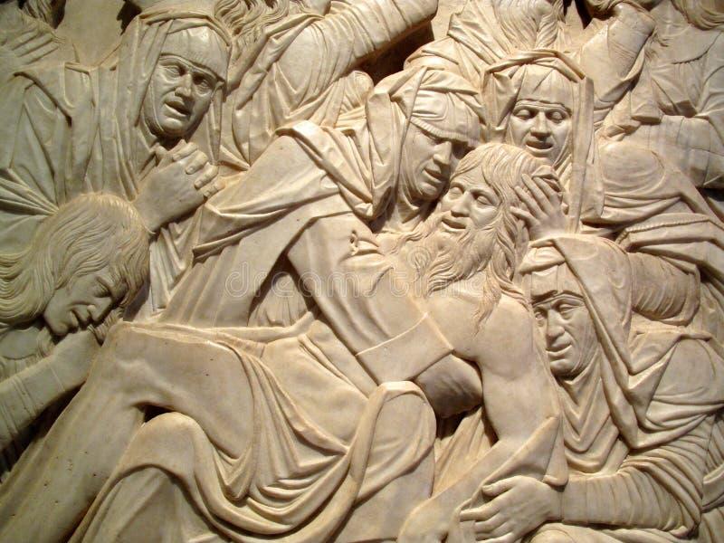 Lamentación de la escultura muerta de Cristo fotos de archivo