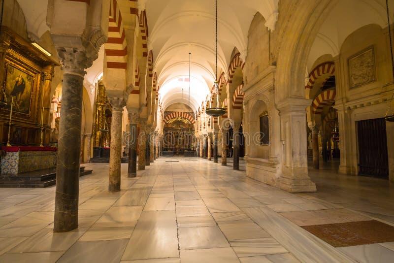 LaMezquita domkyrka i Cordoba, Spanien Domkyrkan byggdes royaltyfria foton