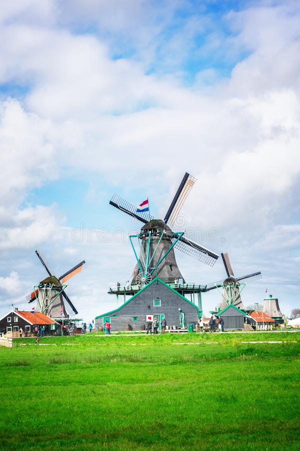 Laminatoi di vento olandesi fotografia stock libera da diritti