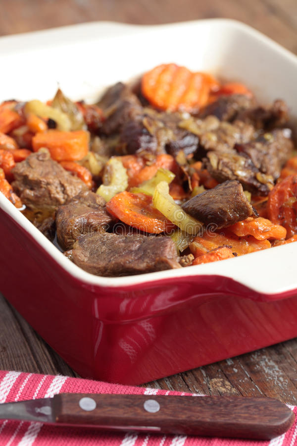 Lammfleisch und Gemüseeintopfgericht stockfotografie