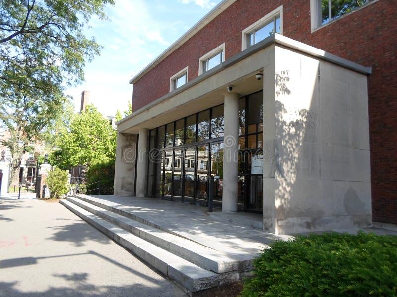 Lamont Library, jarda de Harvard, Universidade de Harvard, Cambridge, Massachusetts, EUA foto de stock