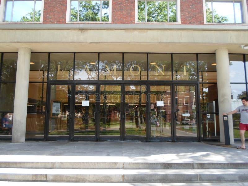 Lamont Library, jarda de Harvard, Universidade de Harvard, Cambridge, Massachusetts, EUA fotos de stock