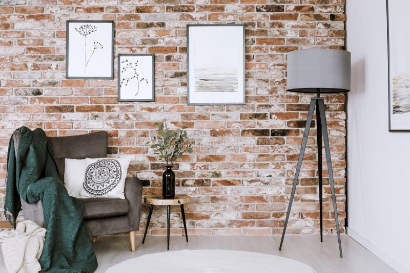 Lamp en Leunstoel stock foto's