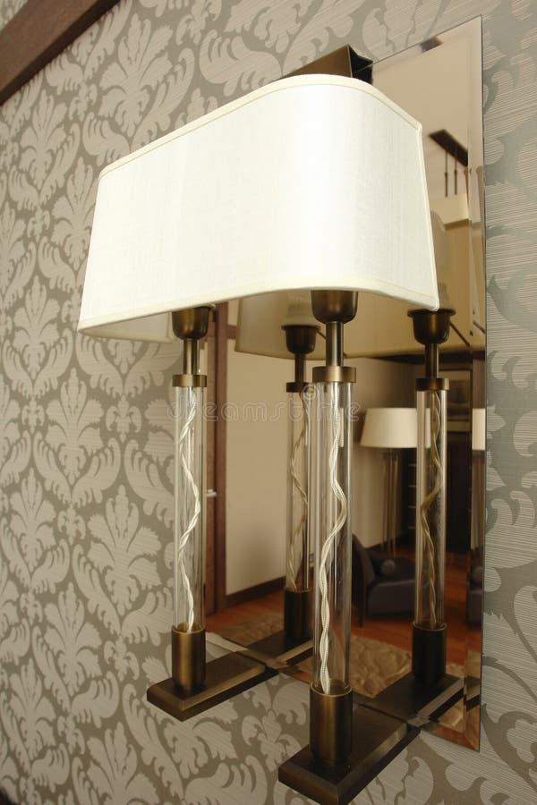 Lamp op de muur stock foto's