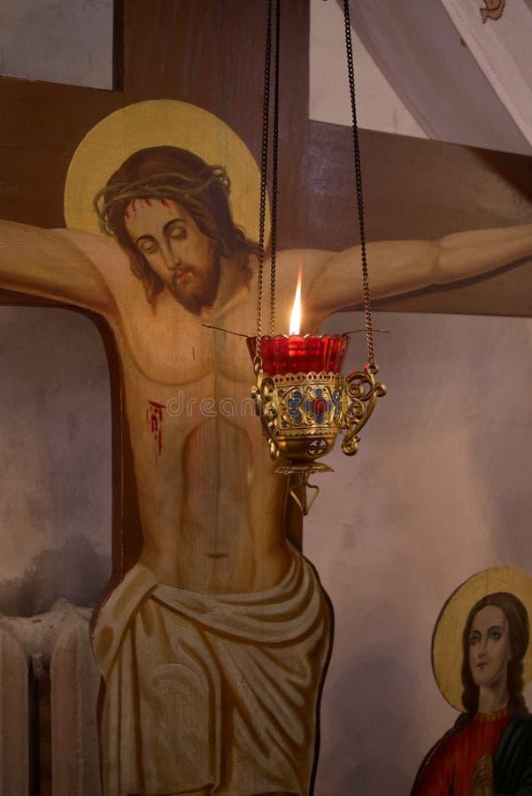 Lamp vóór het beeld van Christus royalty-vrije stock fotografie