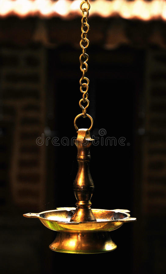 Lampa för hinduisk tempel arkivbilder