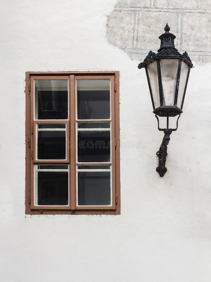 Lampa i okno zdjęcia royalty free