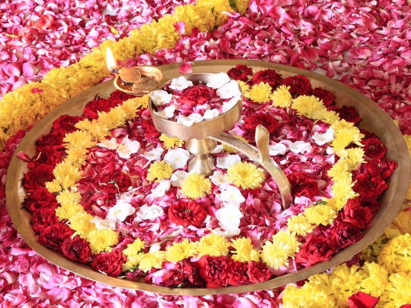 Lampa Lekka i kwiat dekoracja obrazy stock