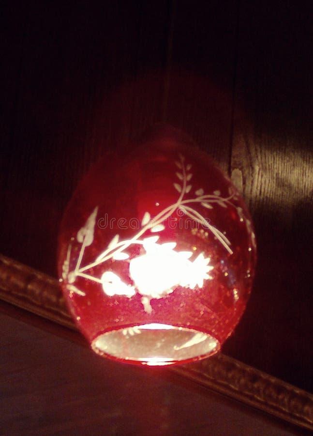 Lampa med den blommiga modellen arkivfoton